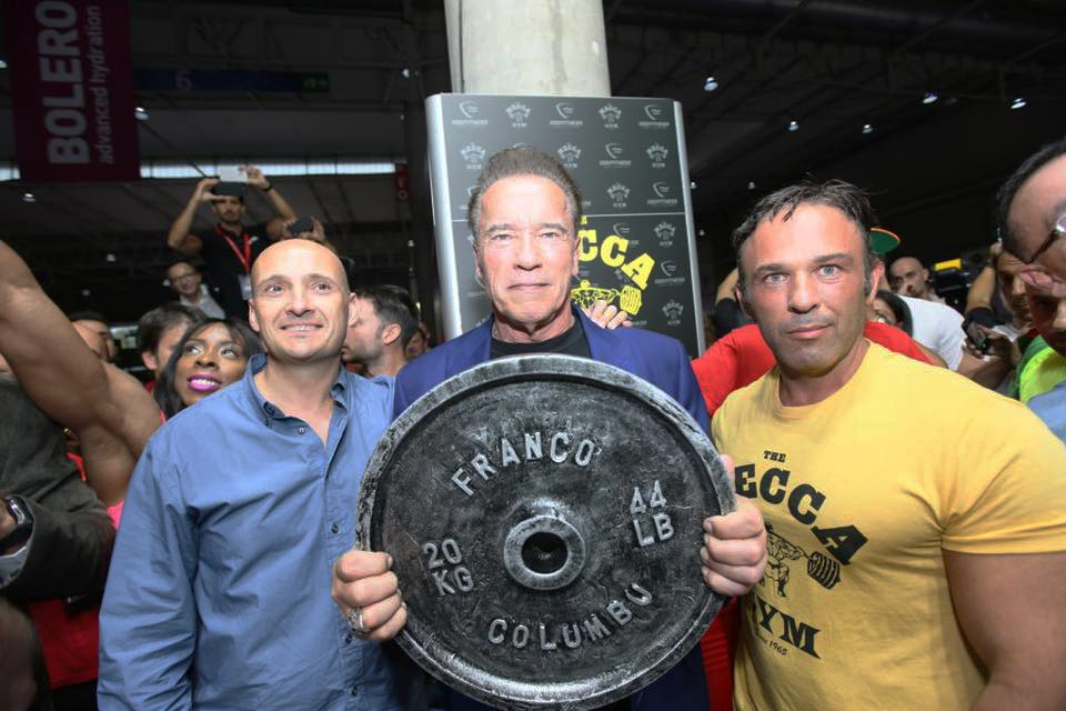 Arnold Schwarzenegger stand Oss Fitness