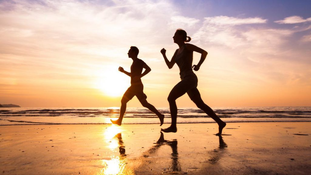 entrenamiento en verano consejos. correr en la playa