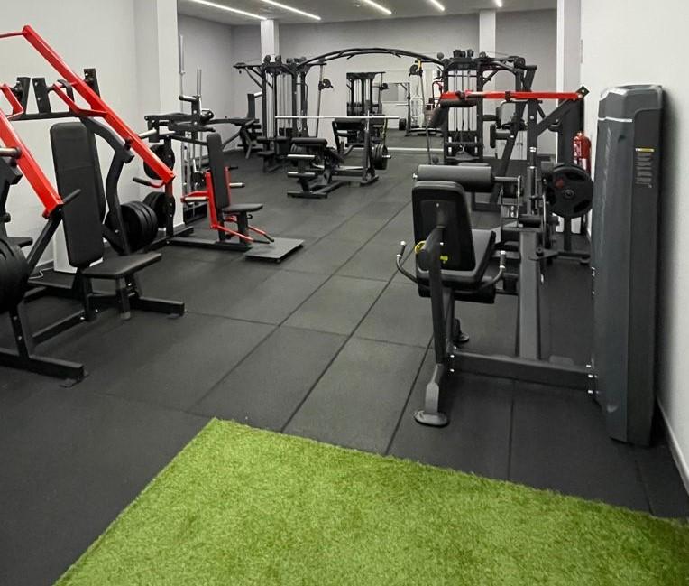 zona musculacion gimnasio